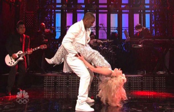 R.-Kelly-and-Lady-Gaga-SNL-2
