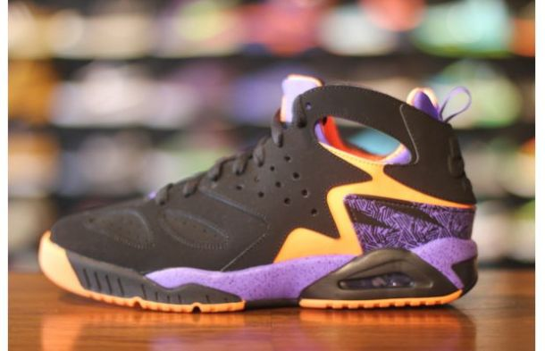 1a98f8f11604f FLY FASHION SIGHTING  Nike Is Releasing the Suns-Inspired Air Tech ...