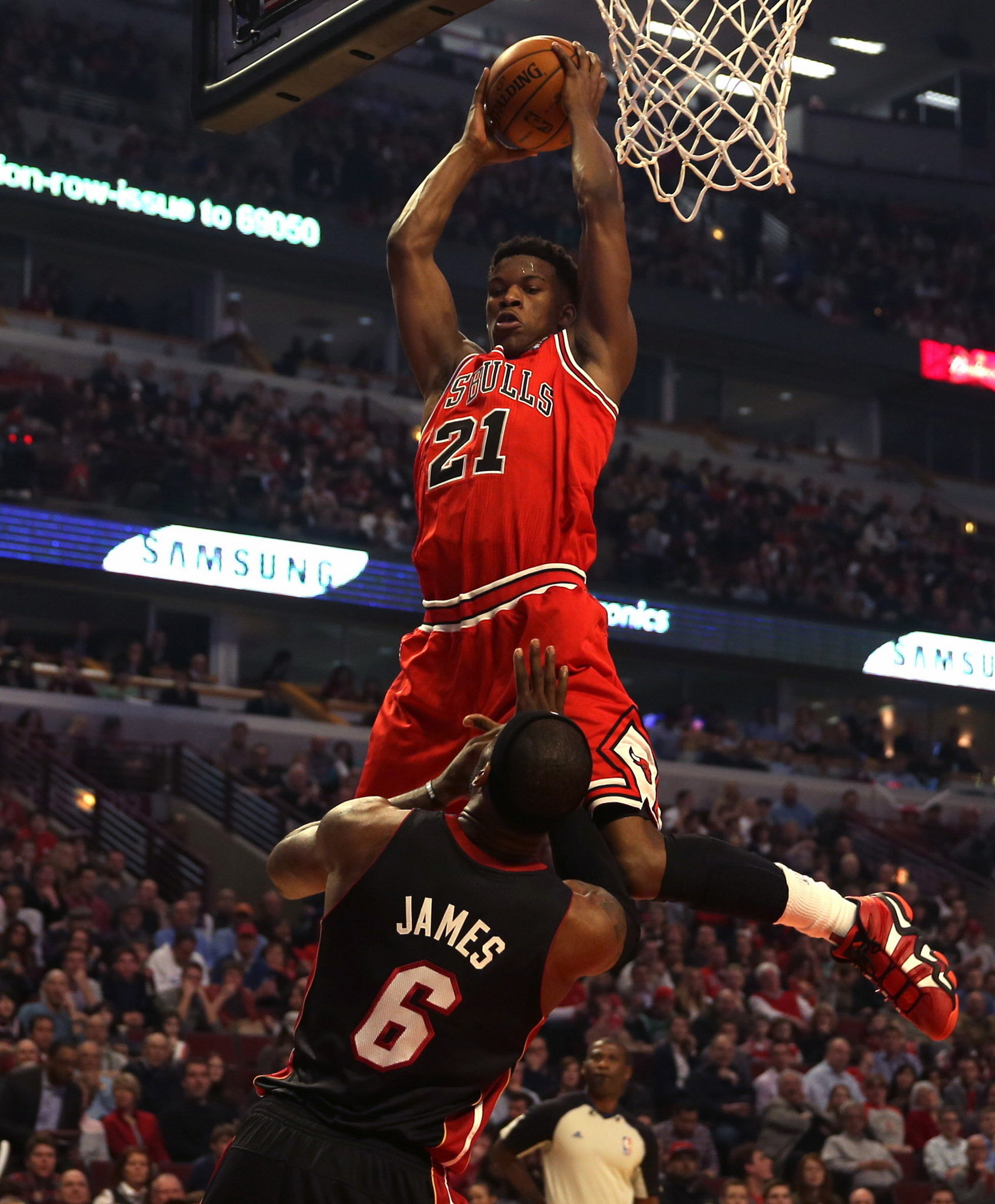 LeBron James Dunks on Jimmy Butler (VIDEO) |Jimmy Butler Dunk Wallpaper