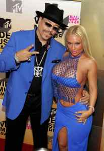 NEW YORK - AUGUST 31:  Actor Ice-T and model Coco attend the 2006 MTV Video Music Awards at Radio City Music Hall August 31, 2006 in New York City.  (Photo by Bryan Bedder/Getty Images)